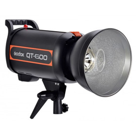 Flash estudio Godox QT 600
